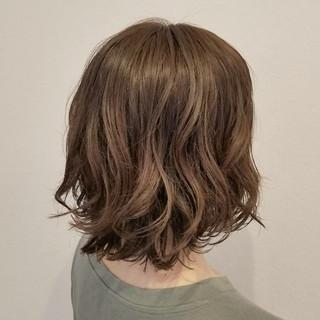 秋 ミディアム リラックス デート ヘアスタイルや髪型の写真・画像