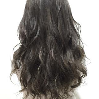 ゆるふわ 暗髪 透明感 ナチュラル ヘアスタイルや髪型の写真・画像