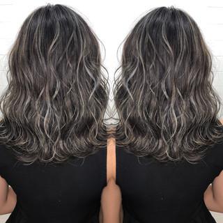 グラデーションカラー ハイライト ミディアム 外国人風カラー ヘアスタイルや髪型の写真・画像