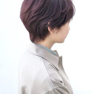 アッシュグレー ナチュラル ショートヘア アッシュ ヘアスタイルや髪型の写真・画像