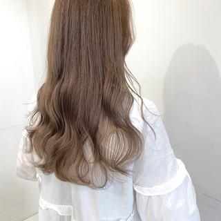 ミルクティー ナチュラル ロング 透明感 ヘアスタイルや髪型の写真・画像