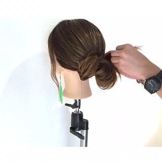 ヘアアレンジ ナチュラル ロング オフィス ヘアスタイルや髪型の写真・画像