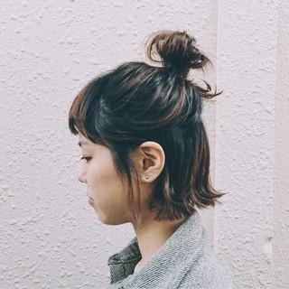 お団子 ルーズ ショート 簡単ヘアアレンジ ヘアスタイルや髪型の写真・画像