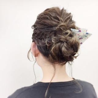 ミディアム ナチュラル 三角クリップ パーティ ヘアスタイルや髪型の写真・画像