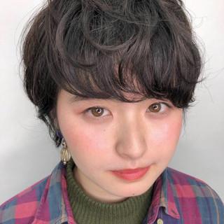 黒髪 グレージュ アッシュ 前髪 ヘアスタイルや髪型の写真・画像