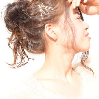 ゆるふわ 簡単ヘアアレンジ メッシーバン ヘアアレンジ ヘアスタイルや髪型の写真・画像