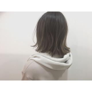 ナチュラル グレージュ 色気 ミディアム ヘアスタイルや髪型の写真・画像