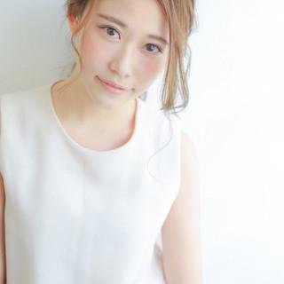 セミロング かっこいい 大人女子 フェミニン ヘアスタイルや髪型の写真・画像