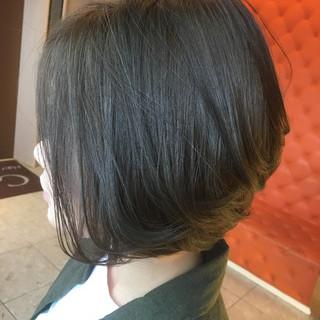 アッシュ ボブ ナチュラル 大人女子 ヘアスタイルや髪型の写真・画像