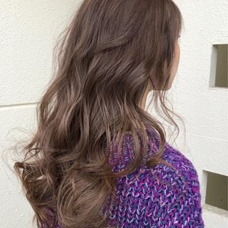 アッシュベージュ アッシュ セミロング アッシュグレージュ ヘアスタイルや髪型の写真・画像