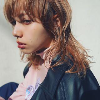 ミディアム パーマ 外国人風 モード ヘアスタイルや髪型の写真・画像