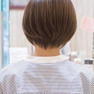 ショート ショートヘア 前下がりショート フェミニン ヘアスタイルや髪型の写真・画像