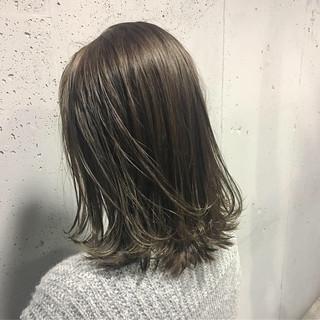 ブルーアッシュ 透明感カラー ナチュラル ヘアカラー ヘアスタイルや髪型の写真・画像