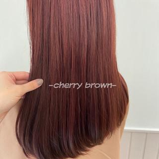 ウルフカット ベリーピンク インナーカラー ナチュラル ヘアスタイルや髪型の写真・画像