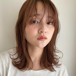 シースルーバング 切りっぱなしボブ ミディアム ミディアムレイヤー ヘアスタイルや髪型の写真・画像