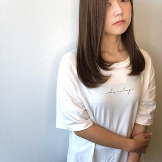 うる艶カラー マット 前髪なし セミロング ヘアスタイルや髪型の写真・画像