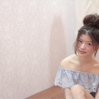 ヘアアレンジ ルーズ お団子 夏 ヘアスタイルや髪型の写真・画像
