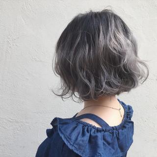 ウェーブ ストリート ハイトーン 外国人風 ヘアスタイルや髪型の写真・画像