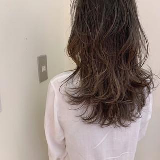 ゆるふわ ハイライト セミロング ナチュラル ヘアスタイルや髪型の写真・画像
