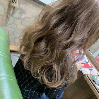 アンニュイほつれヘア デート ロング ゆるウェーブ ヘアスタイルや髪型の写真・画像