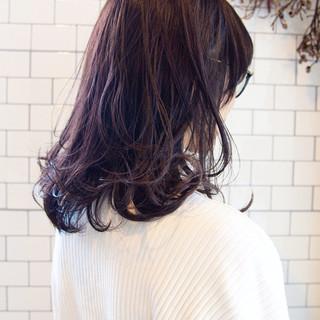 ピンクバイオレット チェリーレッド レッド セミロング ヘアスタイルや髪型の写真・画像