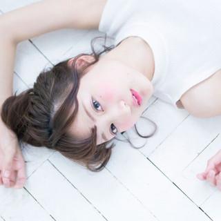 ヘアアレンジ アッシュ ミディアム フェミニン ヘアスタイルや髪型の写真・画像