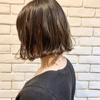 アッシュベージュ ナチュラル ベージュ ミニボブ ヘアスタイルや髪型の写真・画像
