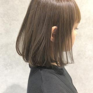 グレージュ 透明感 ロブ ナチュラル ヘアスタイルや髪型の写真・画像
