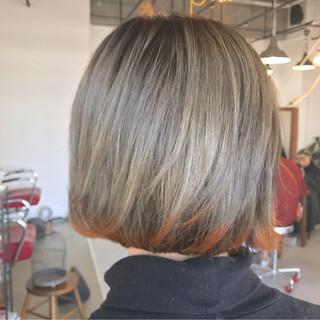 グラデーションカラー イエロー 大人かわいい ミルクティー ヘアスタイルや髪型の写真・画像