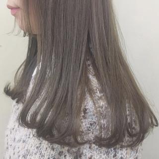 透明感 マッシュ アッシュベージュ ロング ヘアスタイルや髪型の写真・画像