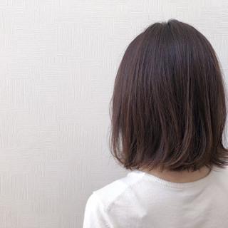シアーベージュ ベージュ 切りっぱなしボブ ナチュラル ヘアスタイルや髪型の写真・画像