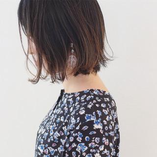 外ハネ 外国人風 グラデーションカラー 暗髪 ヘアスタイルや髪型の写真・画像