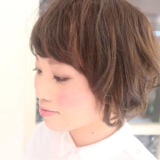 ショート 小顔 ナチュラル 大人女子 ヘアスタイルや髪型の写真・画像