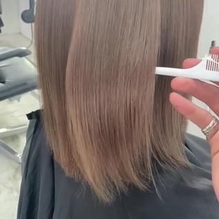 ミルクティーベージュ ベージュ 切りっぱなし ブリーチ ヘアスタイルや髪型の写真・画像