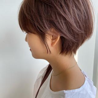 ショートヘア ナチュラル 丸みショート ハンサムショート ヘアスタイルや髪型の写真・画像