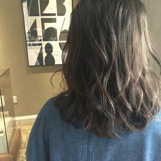 アッシュ イルミナカラー ブルージュ ガーリー ヘアスタイルや髪型の写真・画像