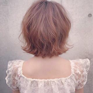 ショート パーマ ヘアアレンジ リラックス ヘアスタイルや髪型の写真・画像