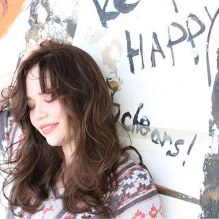 ミルクティー アッシュ ガーリー ロング ヘアスタイルや髪型の写真・画像