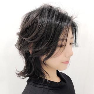 レイヤー フェミニン 大人かわいい アンニュイほつれヘア ヘアスタイルや髪型の写真・画像
