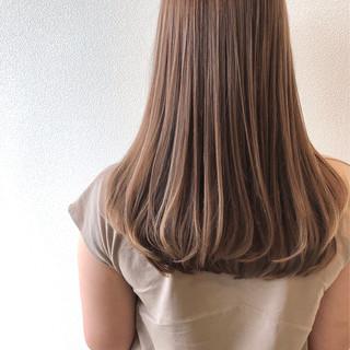 シアーベージュ ナチュラル ベージュ ミルクティーベージュ ヘアスタイルや髪型の写真・画像