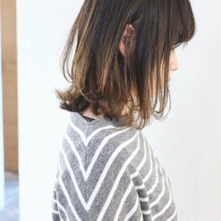 パーマ アンニュイほつれヘア アッシュグレージュ 外ハネ ヘアスタイルや髪型の写真・画像