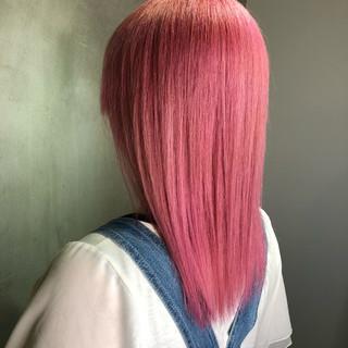 ミディアム ピンクアッシュ ガーリー ピンクベージュ ヘアスタイルや髪型の写真・画像