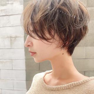 ショート アンニュイほつれヘア ショートヘア パーマ ヘアスタイルや髪型の写真・画像