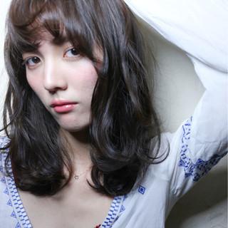 外国人風 前髪あり アッシュ ストリート ヘアスタイルや髪型の写真・画像