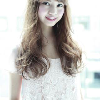 フェミニン ロング 外国人風 大人かわいい ヘアスタイルや髪型の写真・画像