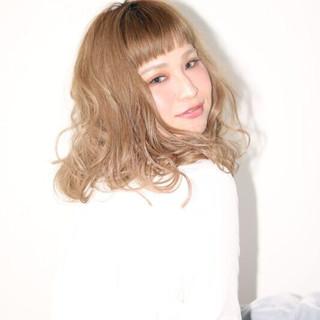 ナチュラル オフィス 外国人風カラー アンニュイ ヘアスタイルや髪型の写真・画像