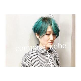 ブルー 抜け感 ネイビーアッシュ ストリート ヘアスタイルや髪型の写真・画像