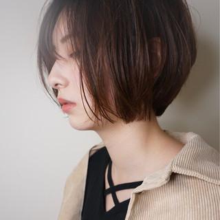 ウェットヘア 透明感 ナチュラル 抜け感 ヘアスタイルや髪型の写真・画像