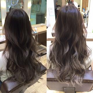 アッシュ ロング グラデーションカラー 渋谷系 ヘアスタイルや髪型の写真・画像