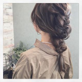簡単ヘアアレンジ くるりんぱ アッシュ 三つ編み ヘアスタイルや髪型の写真・画像